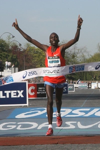 Benjamin Kiptoo breaks the tape in Paris. Photo: IAAF