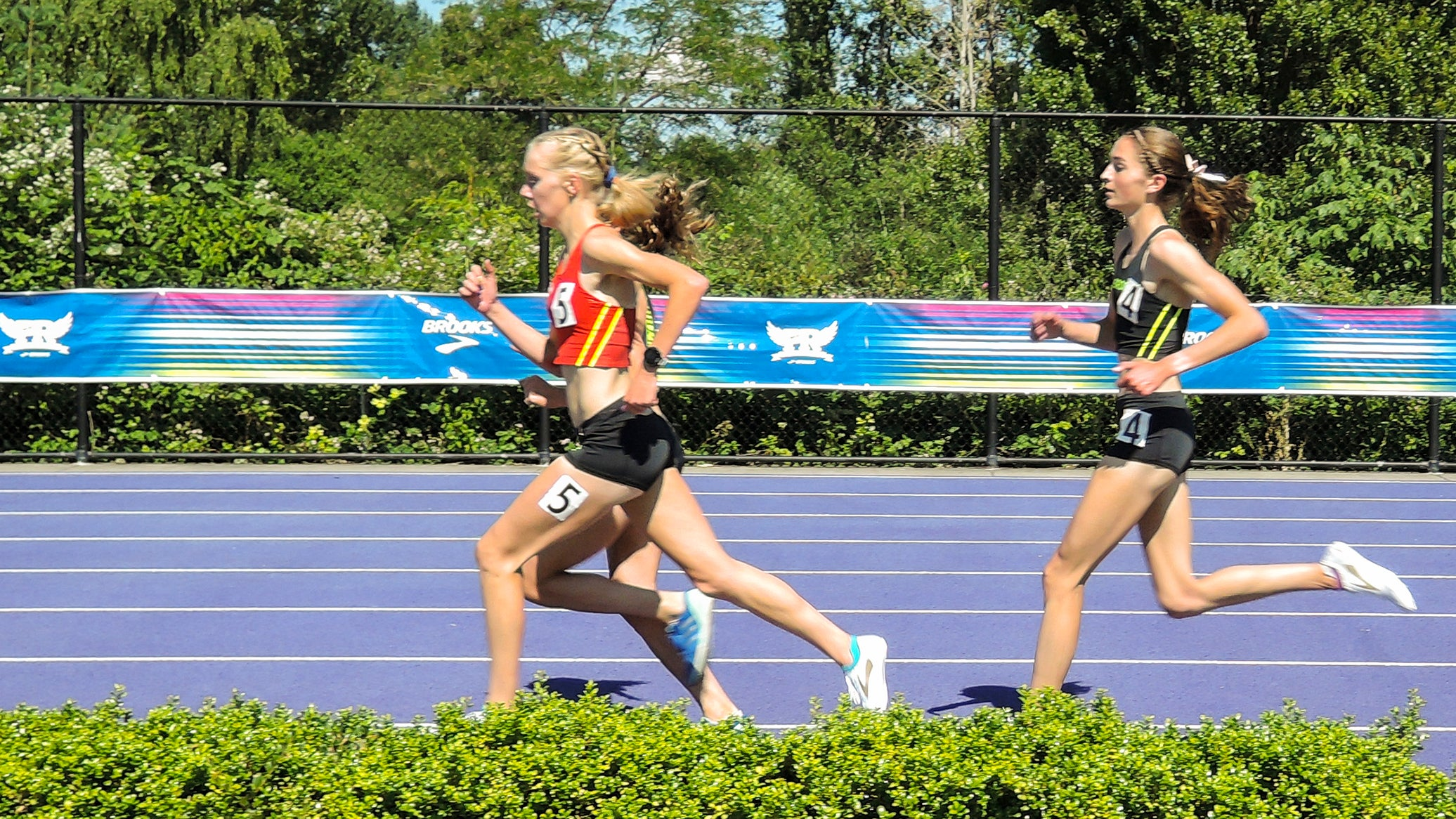 Bryn Brown leading 2-mile, Brooks PR