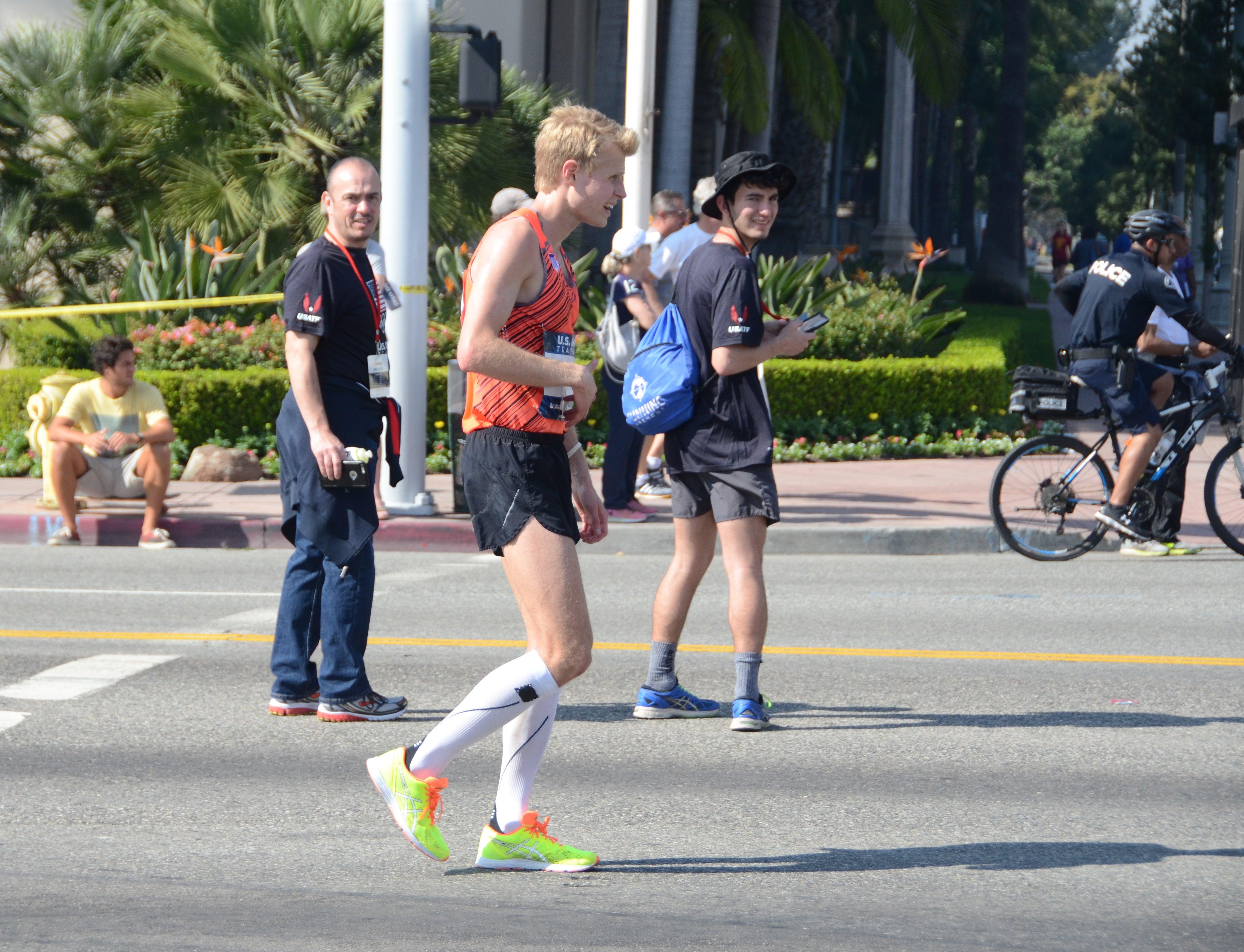 stomach cramping in marathon