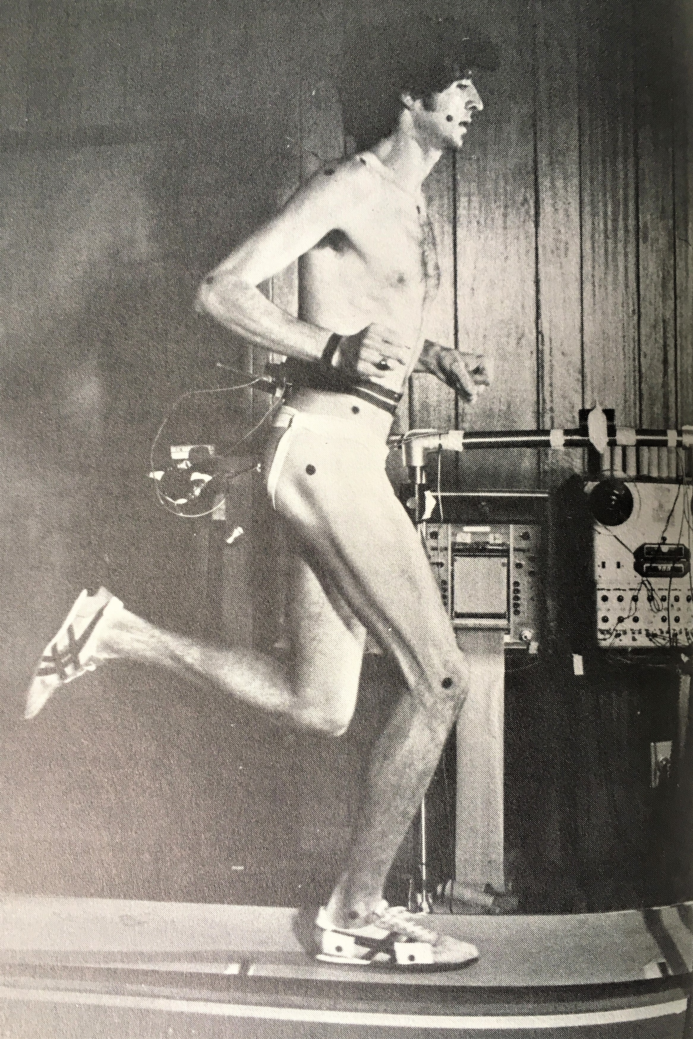 Frank Shorter being tested at Peter Cavanagh's lab