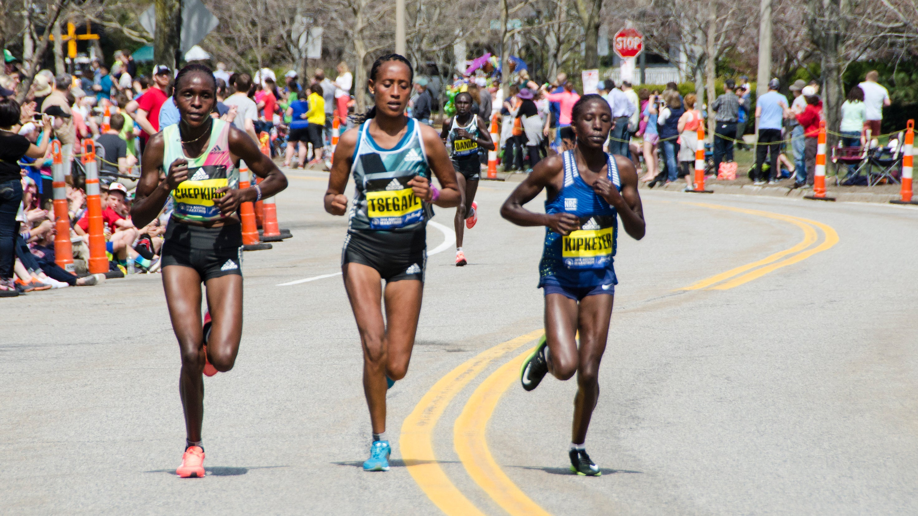 Lead women Boston Marathon 2016