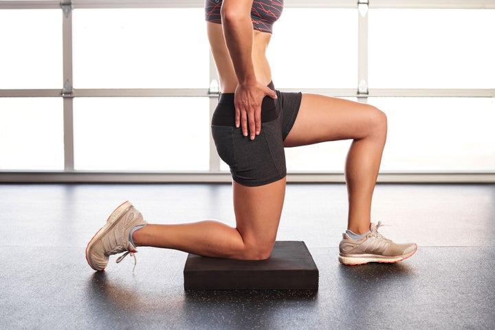 Estiramiento de flexión de cadera de rodillas 2