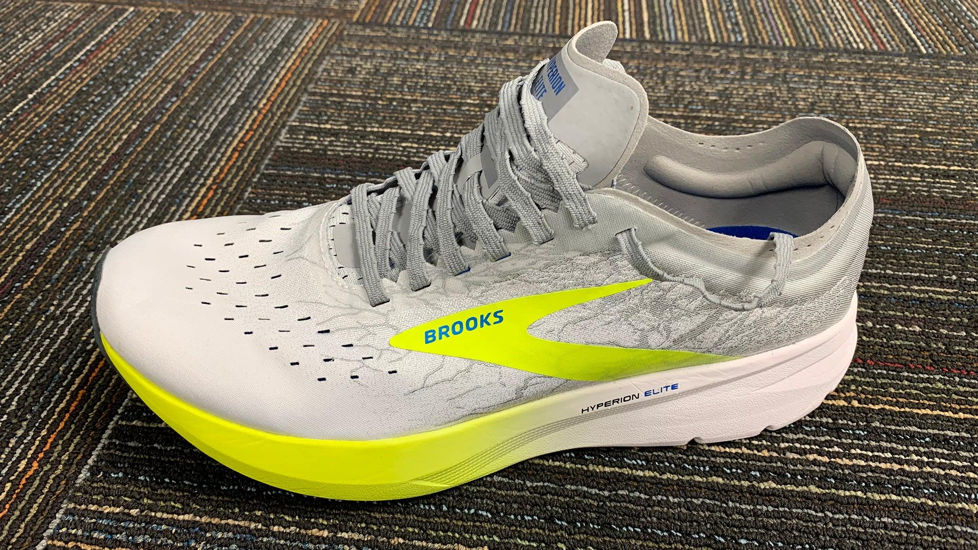 Brooks Hyperion Elite Carbon-plate Shoe