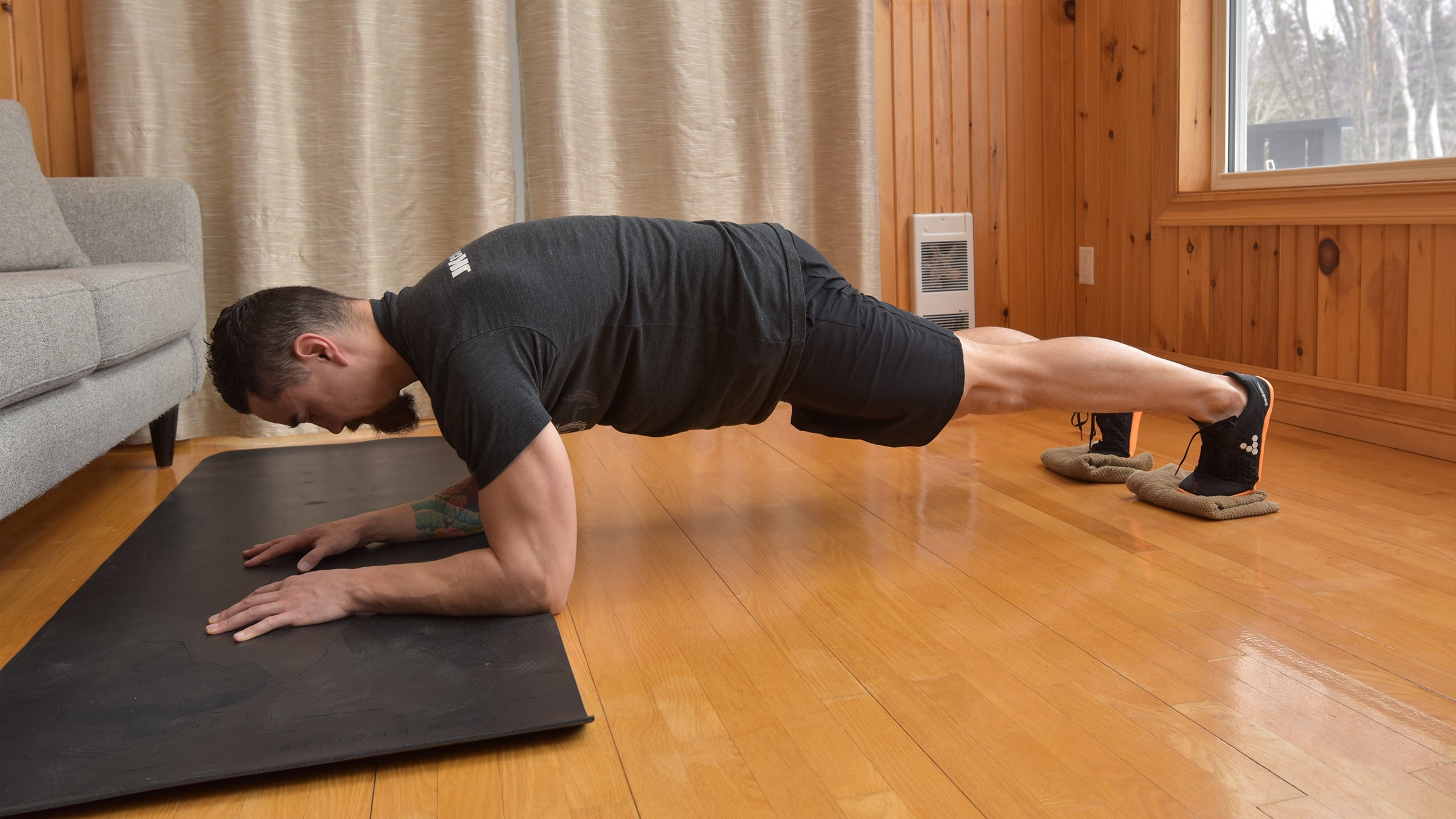 saw plank ab exercise