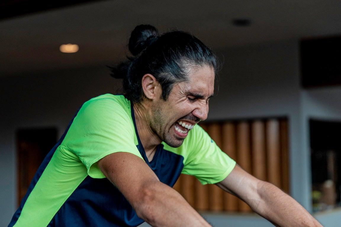 Mario Mendoza grimacing on treadmill