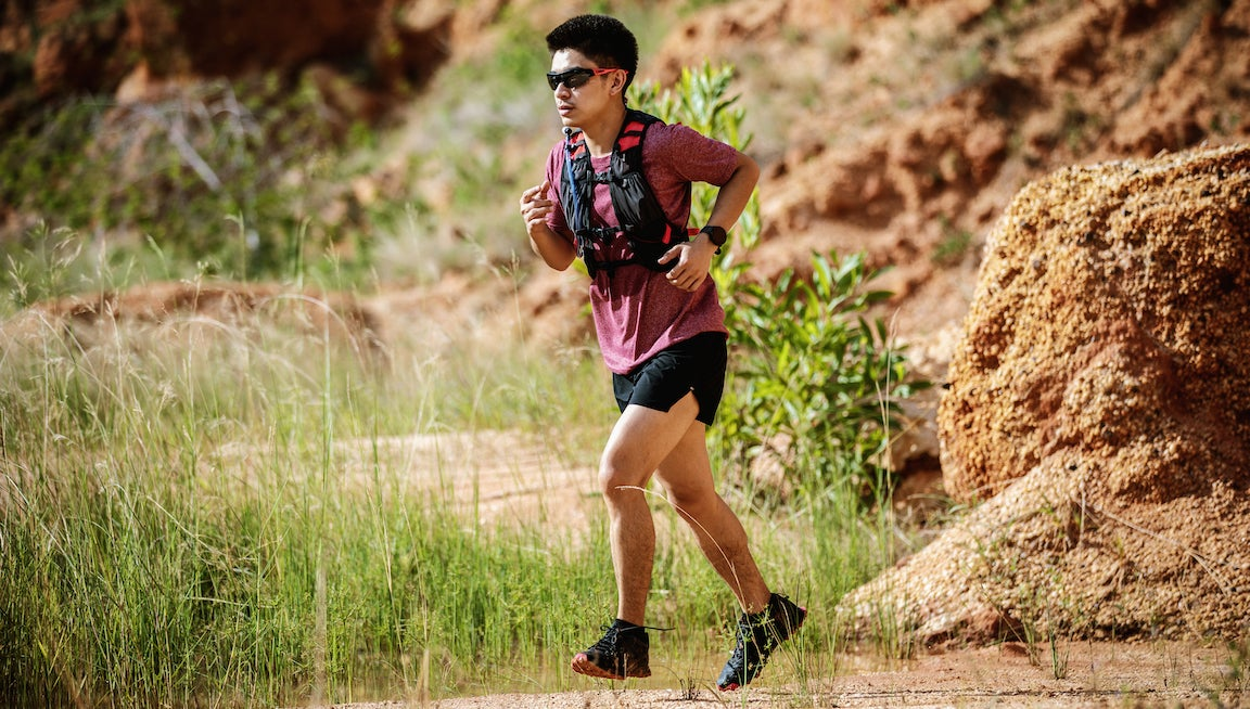 """Ask Pete: Is Using Gravity to """"Fall Forward"""" an Effective Running Strategy? – PodiumRunner"""